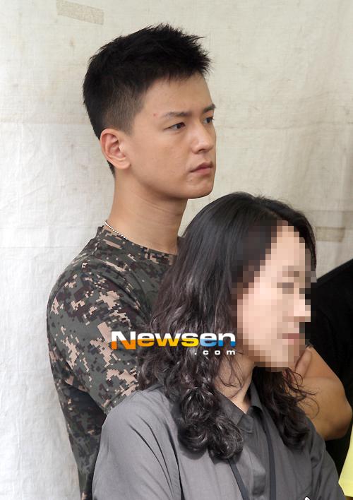 In the military - Tin tức về anh Hwan trong thời gian nhập ngũ 201209151228422010_1