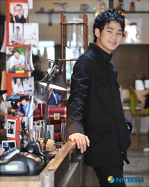 http://nimg.nate.com/orgImg/ns/2011/03/14/NISI20110309_0004203636_web.jpg
