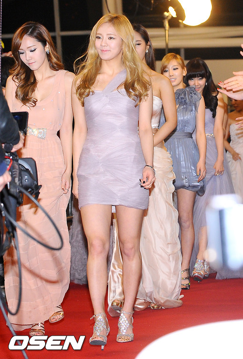 http://nimg.nate.com/orgImg/pt/2011/12/29/201112292018772171_1.jpg