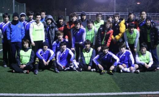 Bức ảnh đội bóng đá thần tượng được tiết lộ 20110209_1297239326_68247500_1