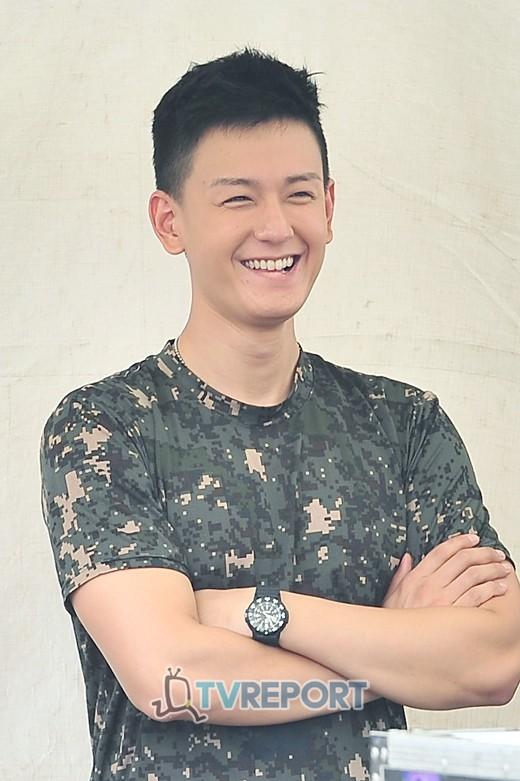 """Im Joo Hwan trong """"Cuộc thi Marathon chiến hữu lần thứ 9"""" sáng 15.9.2012 20120915_1347680848_52847900_1"""
