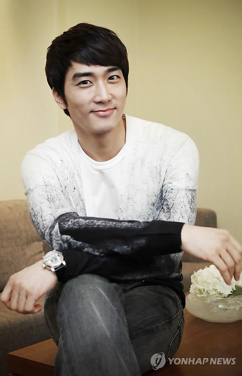 [27.02] Song Seung Hun (My Princess) pour Yonhap News PYH2011022601720001300_P2